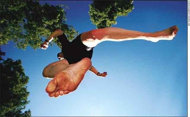 Barefoot running versus ordinary running